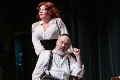 Yiddish Theater's Brightest Stars Aren't Even Jewish