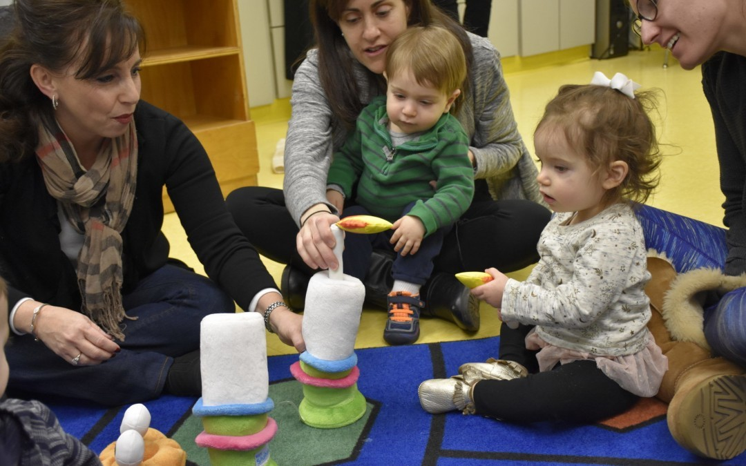 Tot Shabbat Fun at Chizuk Amuno