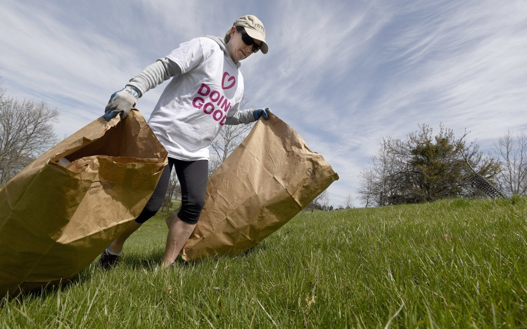 Hundreds Come Out for 'Good Deeds Day'