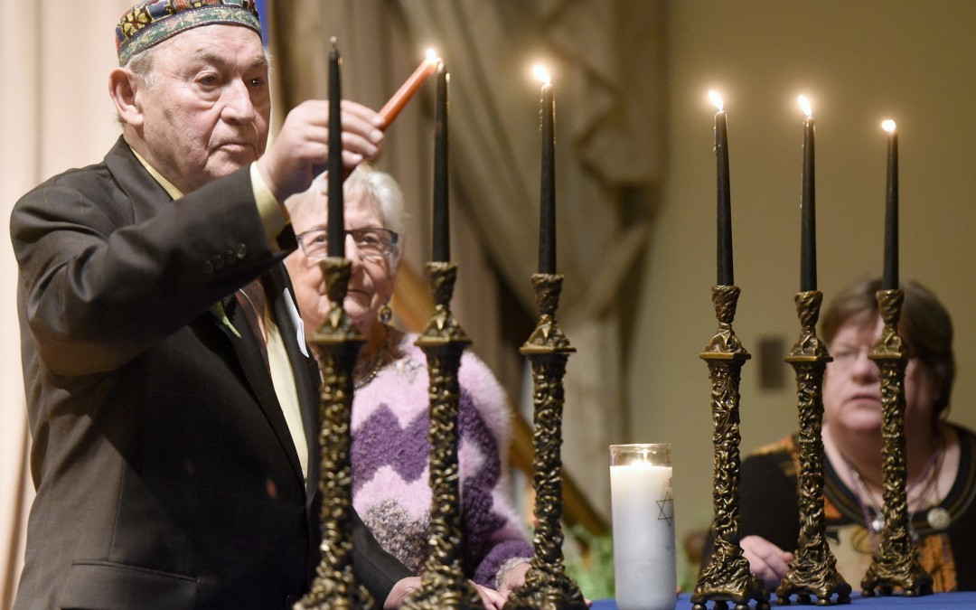 Holocaust Event Pays Tribute to Elie Wiesel