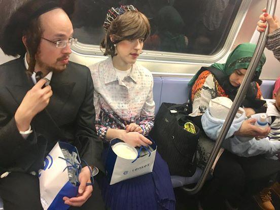 Hasidic Jewish Couple, Nursing Muslim Woman Picture Goes Viral