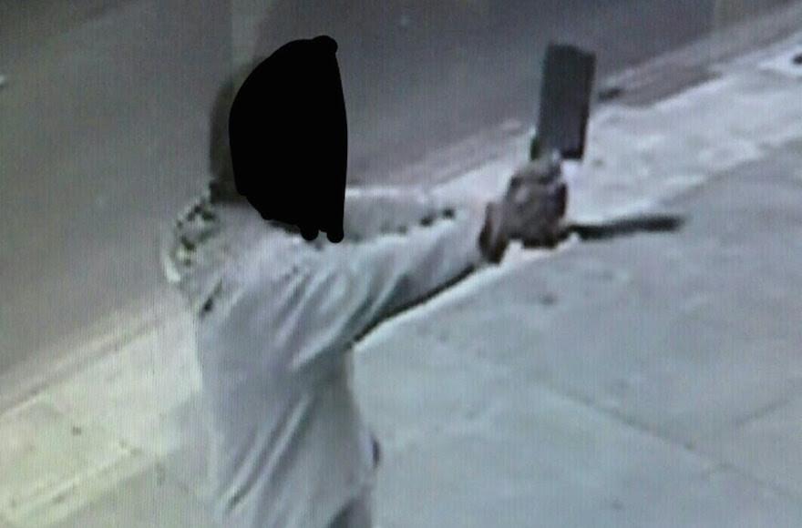 Man Waving Meat Cleaver, Threatening Jews Arrested in London