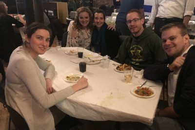 Secular Young Jews Come Here for Drinks, Socializing — and Torah Learning