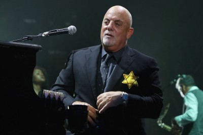 Billy Joel Wears Yellow Star of David During Concert Encore