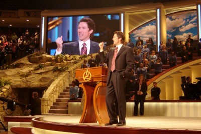 Joel Osteen Opens Houston Megachurch to Jews Whose Synagogue Flooded