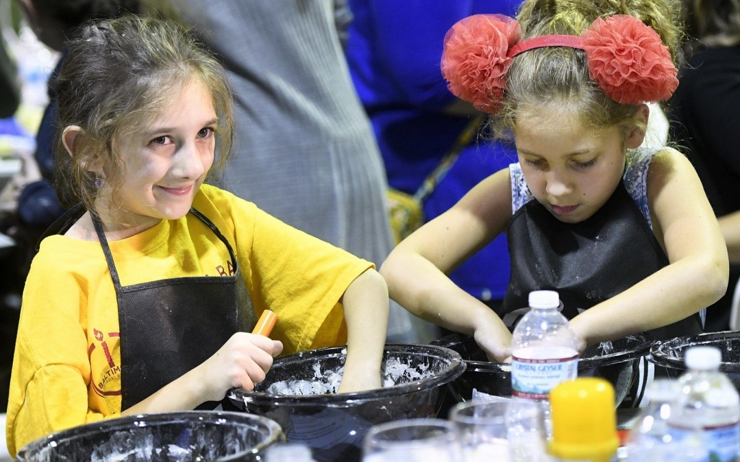 Thousands Turn Out for Great Challah Bake at Pimlico