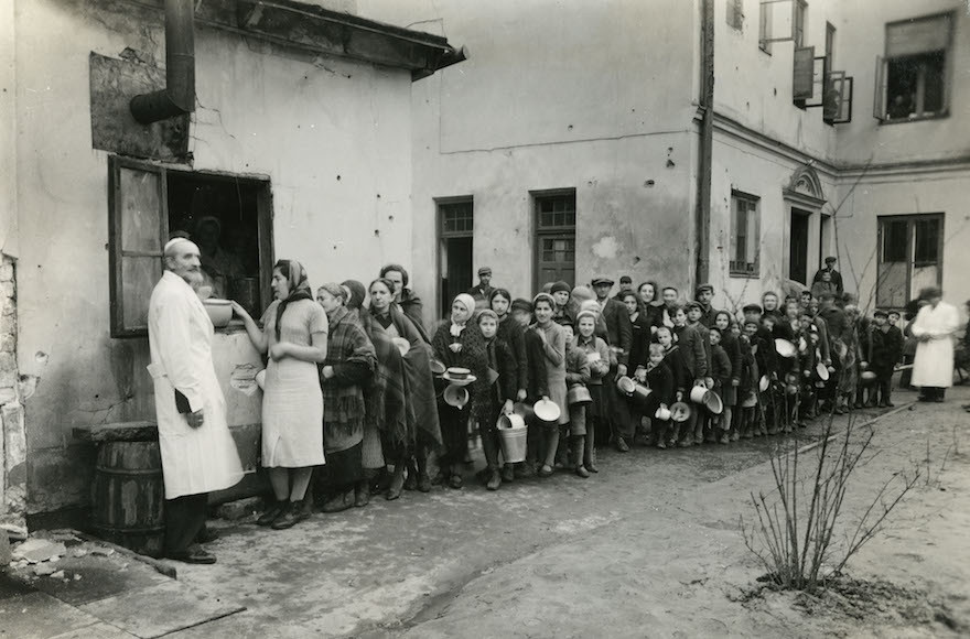 Proof of Nazi Evils Documented by Warsaw Ghetto Jews Gets 1st Exhibition