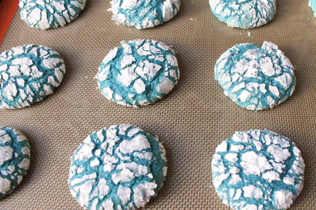 Blue crinkle cookies