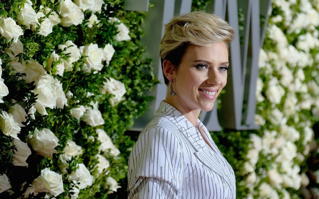 Jewish Family Learns They are Related to Scarlett Johansson by Watching PBS Show