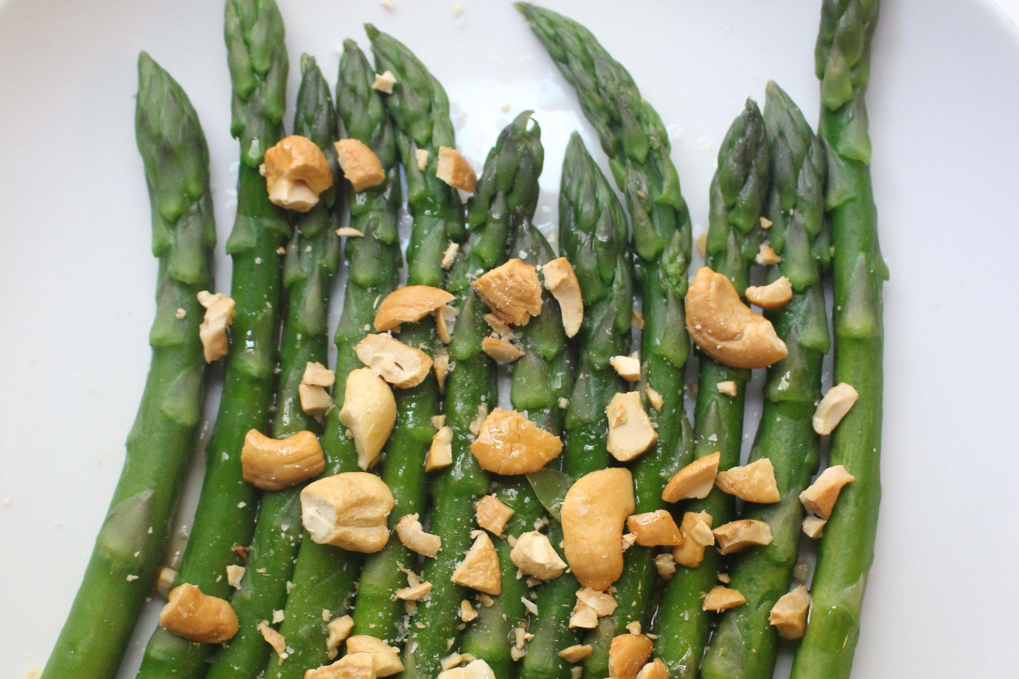Toasted Cashew Asparagus
