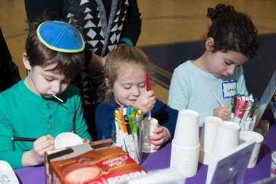 Volunteers Come Out on Christmas for Community Mitzvah Day