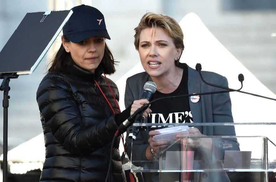 Palestinian Women's Group Pulled out of Women's March over Jewish Actress Scarlett Johansson