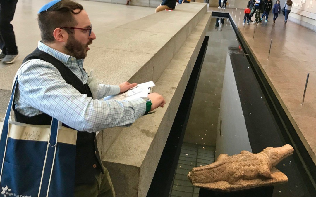 A Tour Guide Uncovers Passover Secrets in the Met Museum's Egyptian Wing
