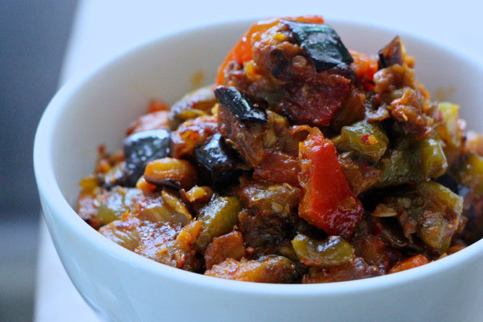 Ajloog – Tunisian Eggplant and Roasted Peppers Salad