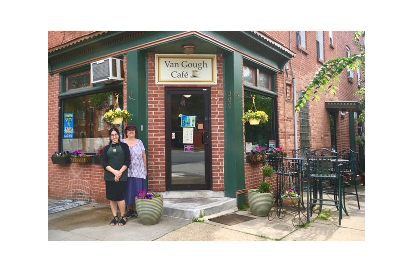 Van Gough Cafe is Both Kosher and Bohemian
