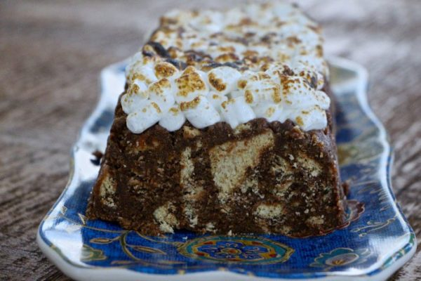 S'mores log cake