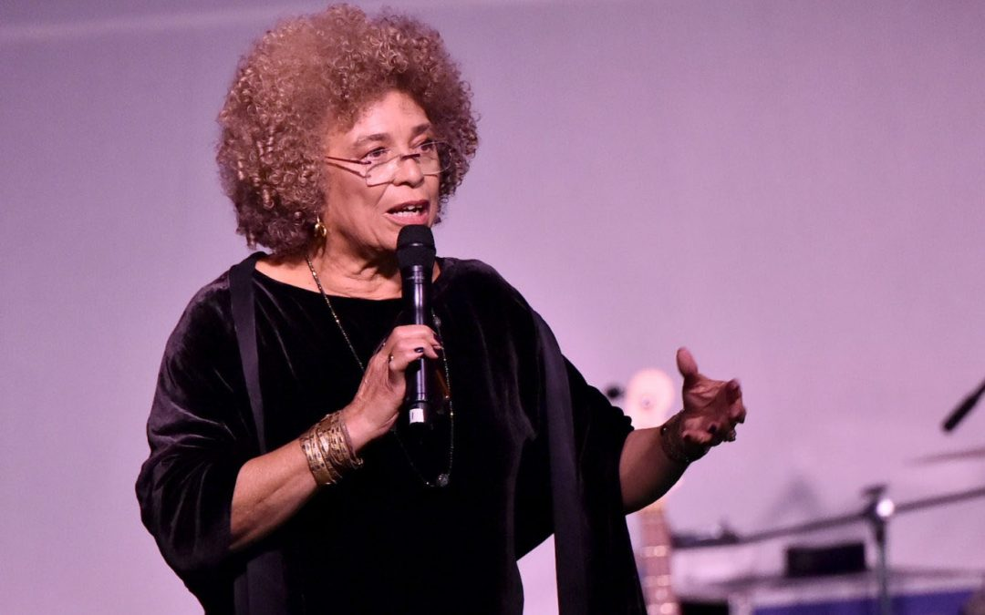 Angela Davis Lost Human Rights Award Due to Local Jewish Pressure, Birmingham Mayor Says