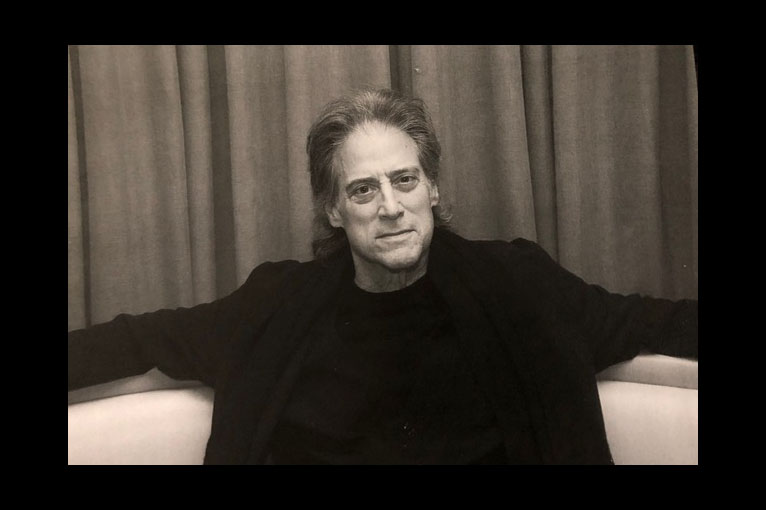 Comedian Richard Lewis Remains the 'Prince of Pain'
