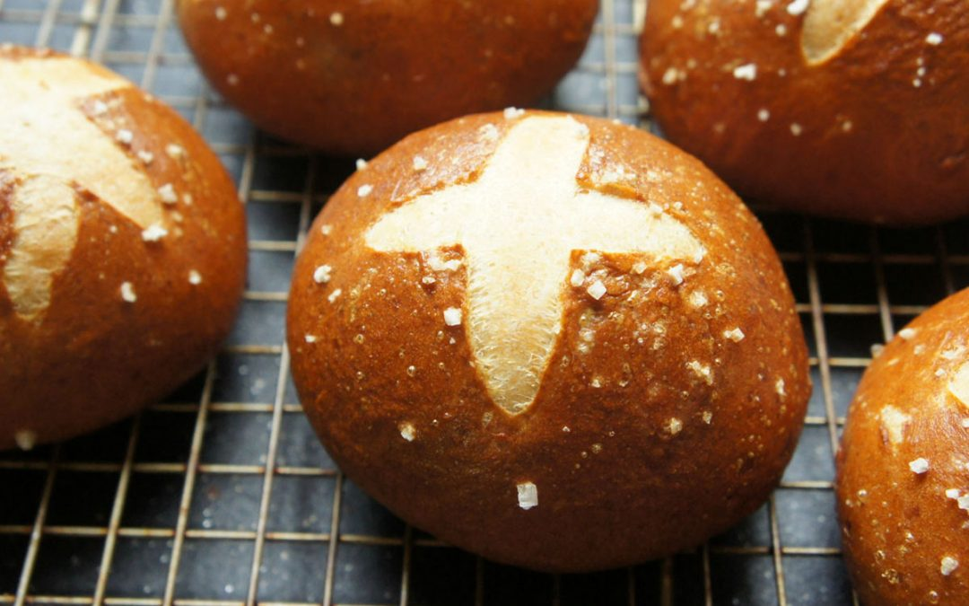 These Homemade Challah Pretzel Buns are Perfection for Burgers