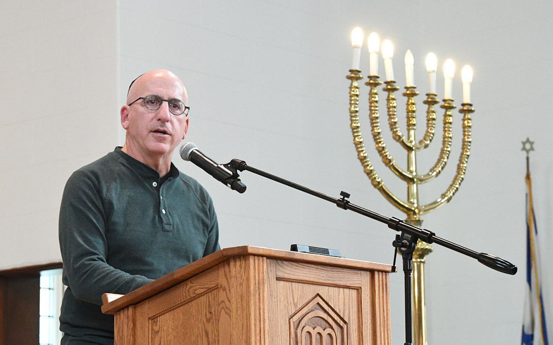 Jonathan M. Fishman, Beth Am's president, welcomes guests to the rededication ceremony. (Photo by Jim Burger)