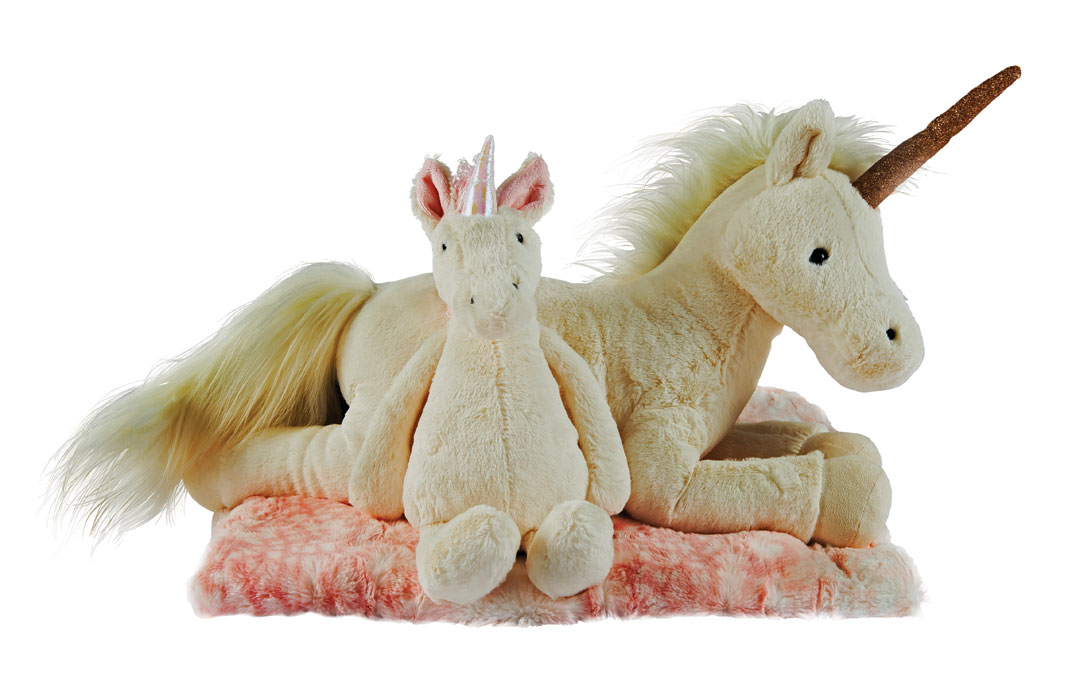Your child is sure to have a magical Valentine's Day when you come home with one of these stuffed unicorns or a furry leopard print blanket. Medium Unicorn from Wee Chic; JellyCat, $24 Large Luna Unicorn from Wee Chic; JellyCat, $58. Faux Fur Blanket from Wee Chic; Tourance, $62.