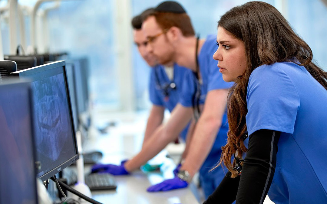 Jewish College Offers Fast Track to Medical and Health Careers