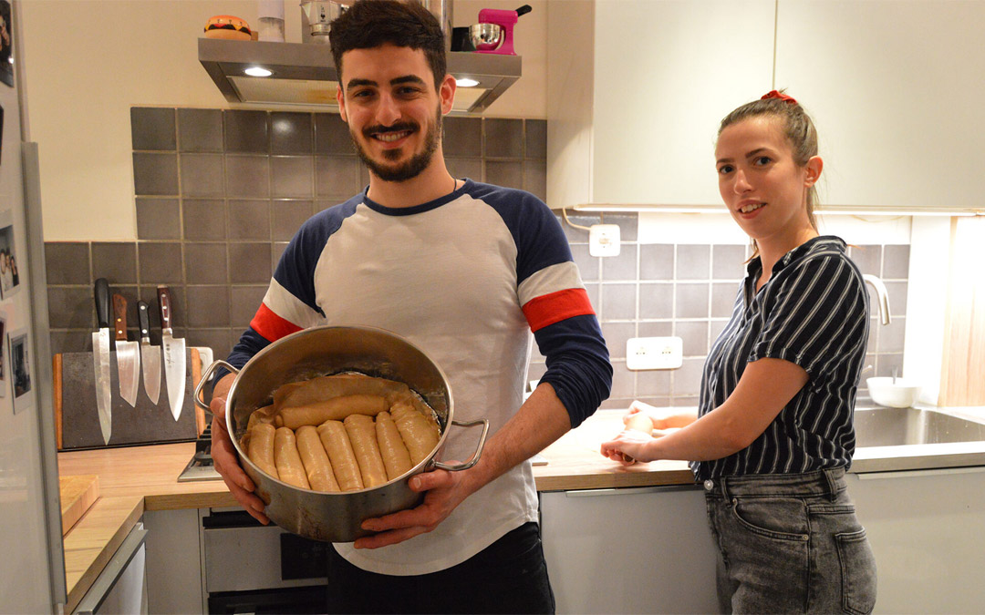 Homemade Jachnun is Giving a Lifeline to European Jews in a Second COVID Wave