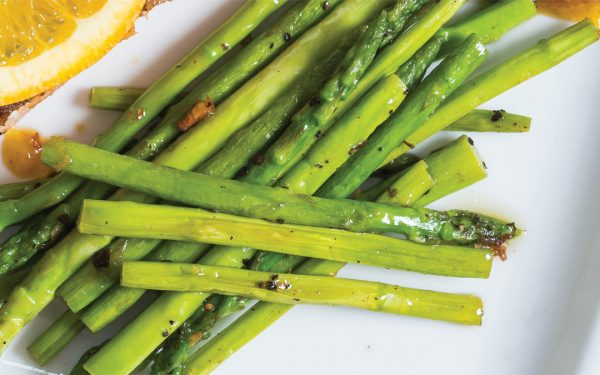 Stir-fried garlic asparagus